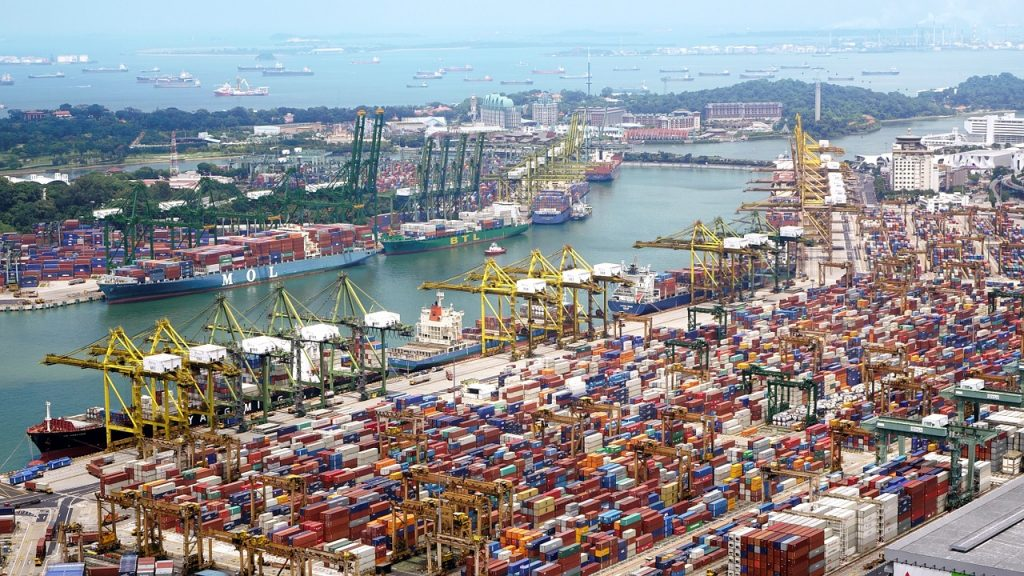 port shipping cranes